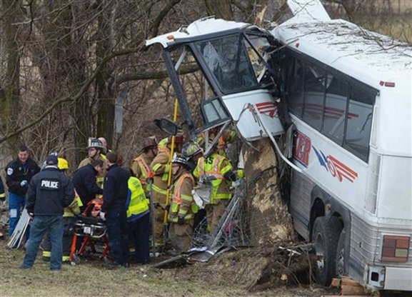 Pennsylvania lacrosse team bus crashes; pregnant coach dies